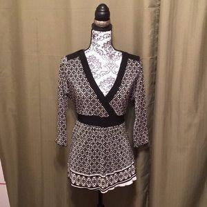 93b81672 ... t find femenine lace Dress Barn black and white top M Petit